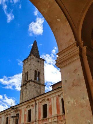 Il campanile della Abbazia Morronese