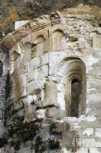 grotta-sant-angelo-abside-della-chiesa