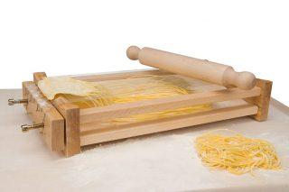 pasta-tools-eppicotispai-chitarra-pasta-cutter-with-roller-7x-01