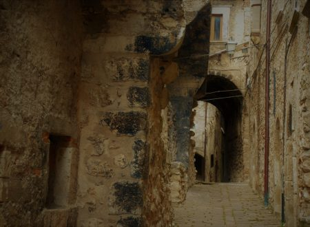 SULLE TRACCE DELL'ANTICA ROMA IN UN ANTICO BORGO: CASTELVECCHIO CALVISIO